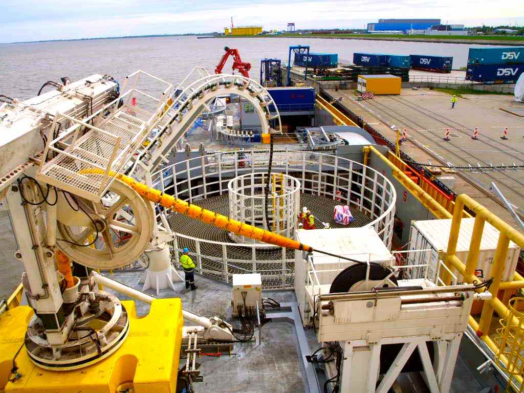 Offshore Turntable 3