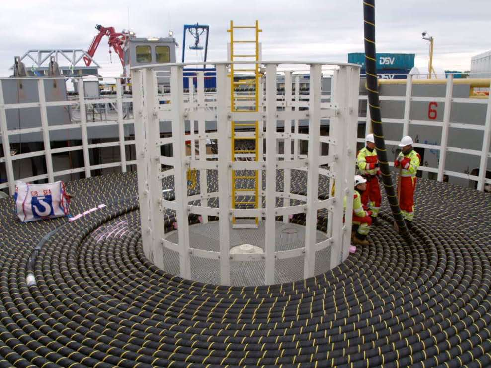 Offshore Turntable 2